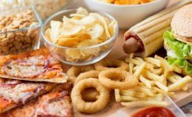 Người bị bệnh xương khớp không nên ăn gì?
