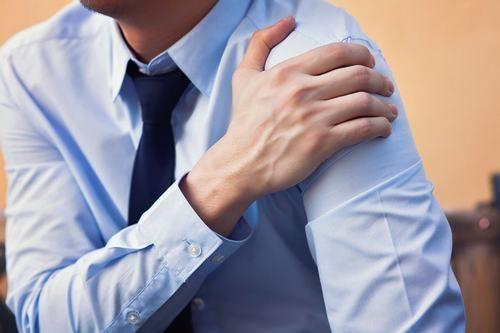 Bệnh viêm xương khớp có triệu chứng nặng dần theo thời gian