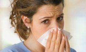 Nguy cơ dễ mắc bệnh viêm hô hấp trên ở người lớn